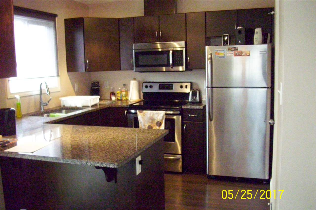 # 32 8716 179 Avenue, 1 bed, 2.1 bath, at $276,000
