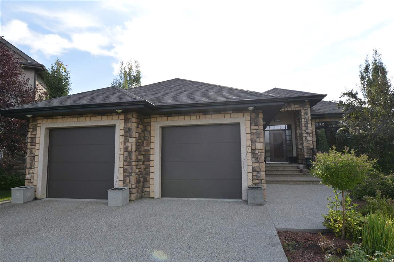 12 KINGSMOOR Close, 3 bed, 2.1 bath, at $799,900