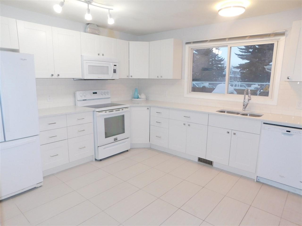 43 2131 Oak Street, 3 bed, 1.1 bath, at $239,900