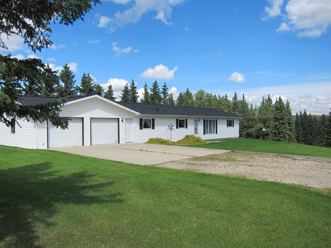 53024 Rge Rd 70 Parkland County, 3 bed, 2 bath, at $608,000
