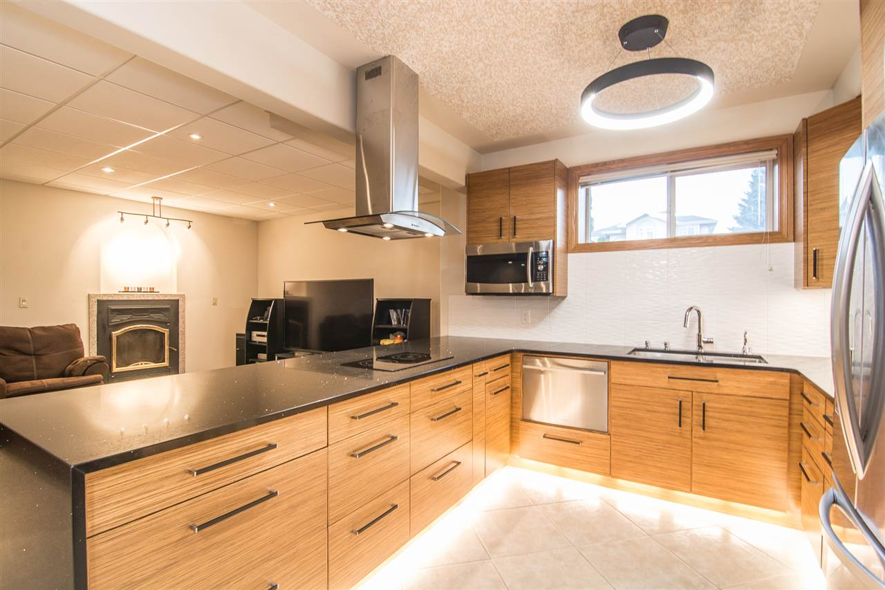 208 LINDSAY Crescent, 6 bed, 3 bath, at $774,950
