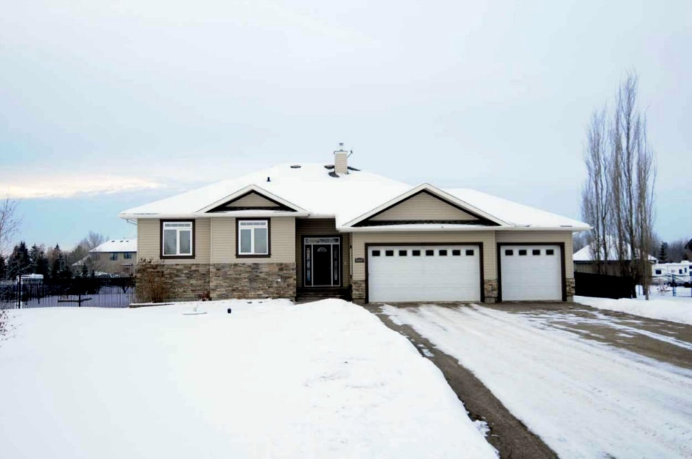 20507 2 Avenue SW, 5 bed, 3.1 bath, at $699,900