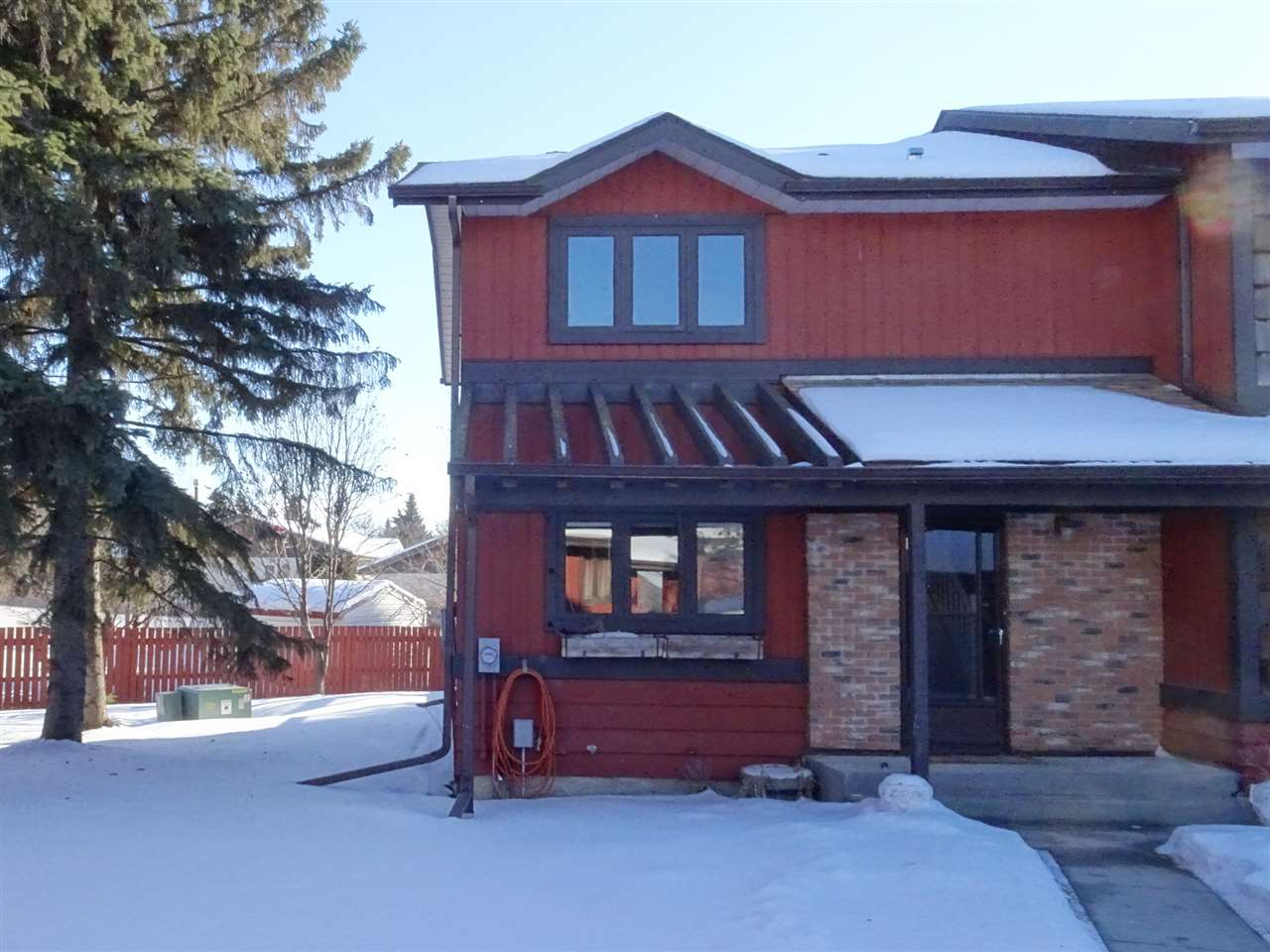 36 LACOMBE Point(e), 3 bed, 1.1 bath, at $224,900