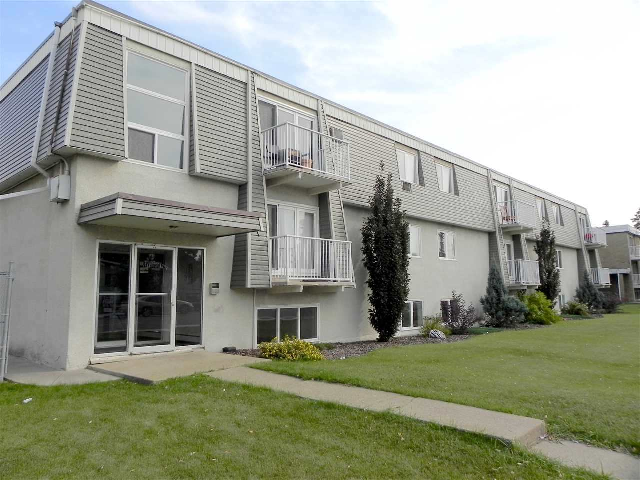 5 10325 156 Street NW, 1 bed, 1 bath, at $95,000
