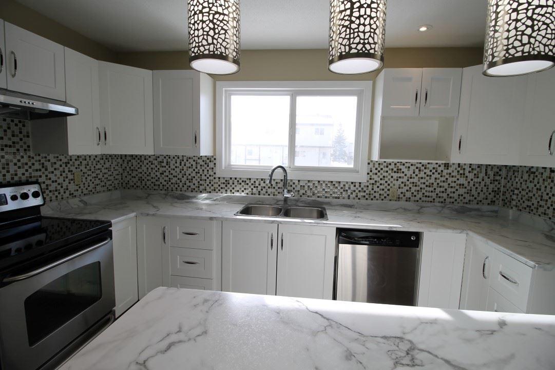 1260 LAKEWOOD Road NW, 3 bed, 2.1 bath, at $229,900
