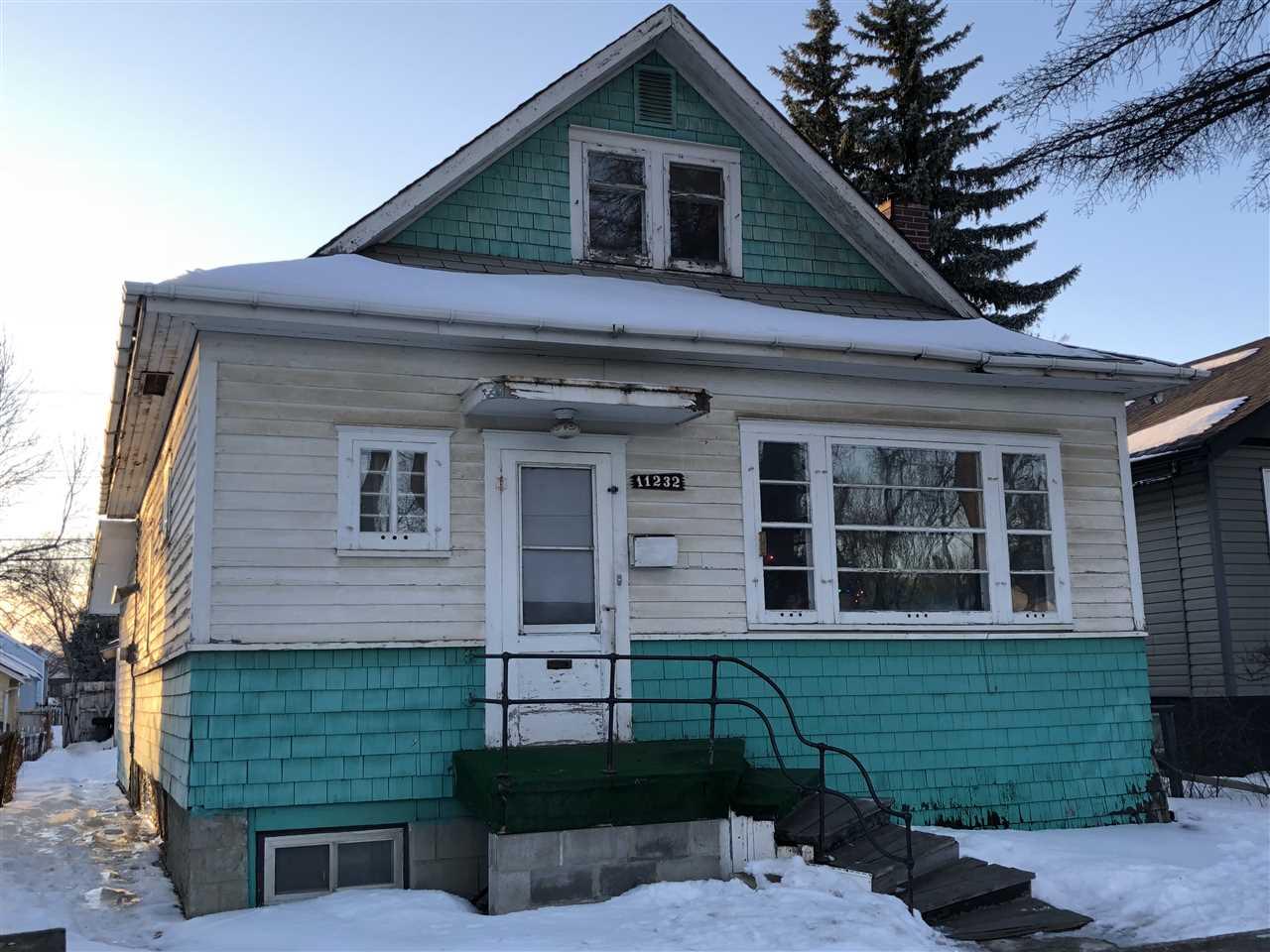 11232 97 Street, 5 bed, 1.1 bath, at $194,000