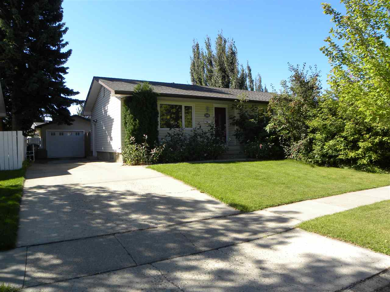 16 SPRINGFIELD Crescent, 4 bed, 2.1 bath, at $360,000
