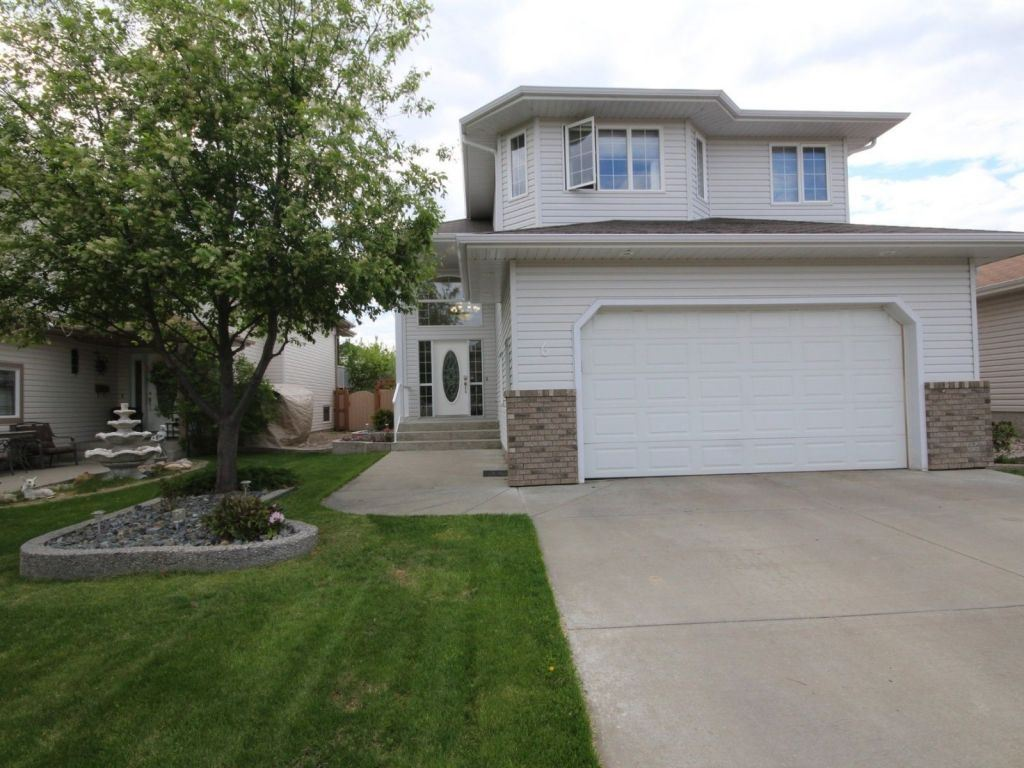 6 Woods Crescent, 3 bed, 3 bath, at $429,500