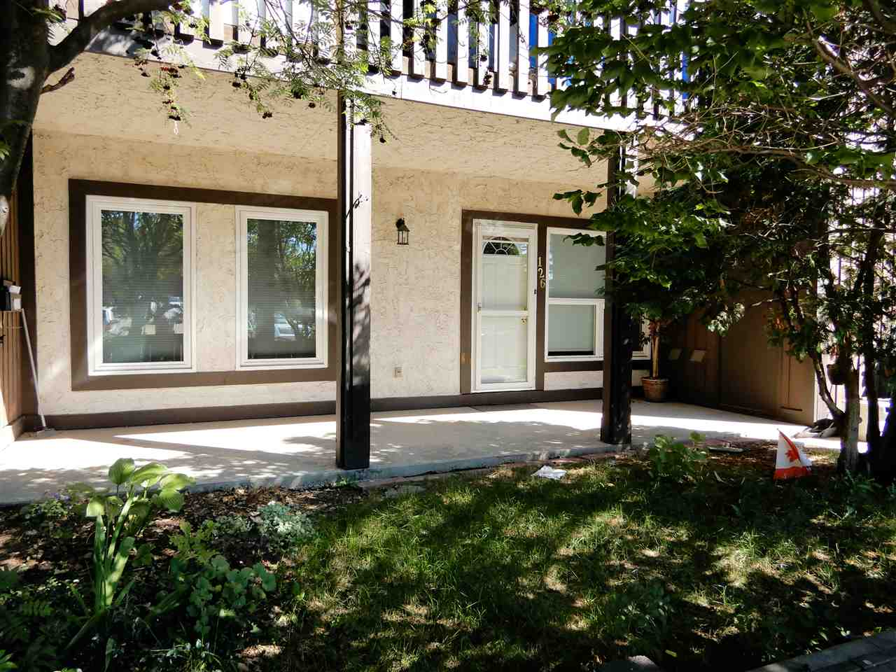 126 SURREY Gardens NW, 2 bed, 1 bath, at $169,900