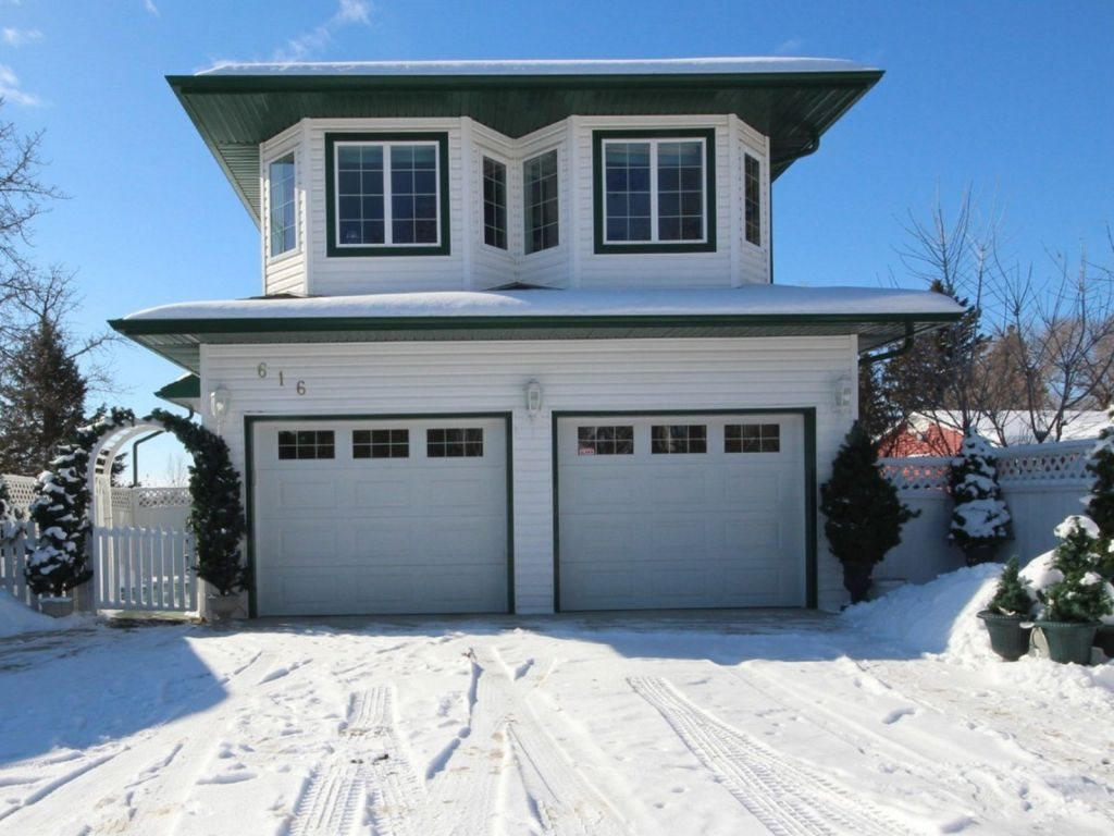 616 Lakeside Drive, 4 bed, 3 bath, at $539,900
