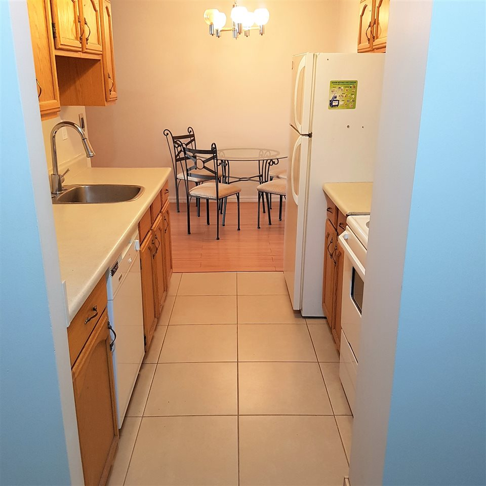 704 10125 109 Street NW, 1 bed, 1 bath, at $149,900