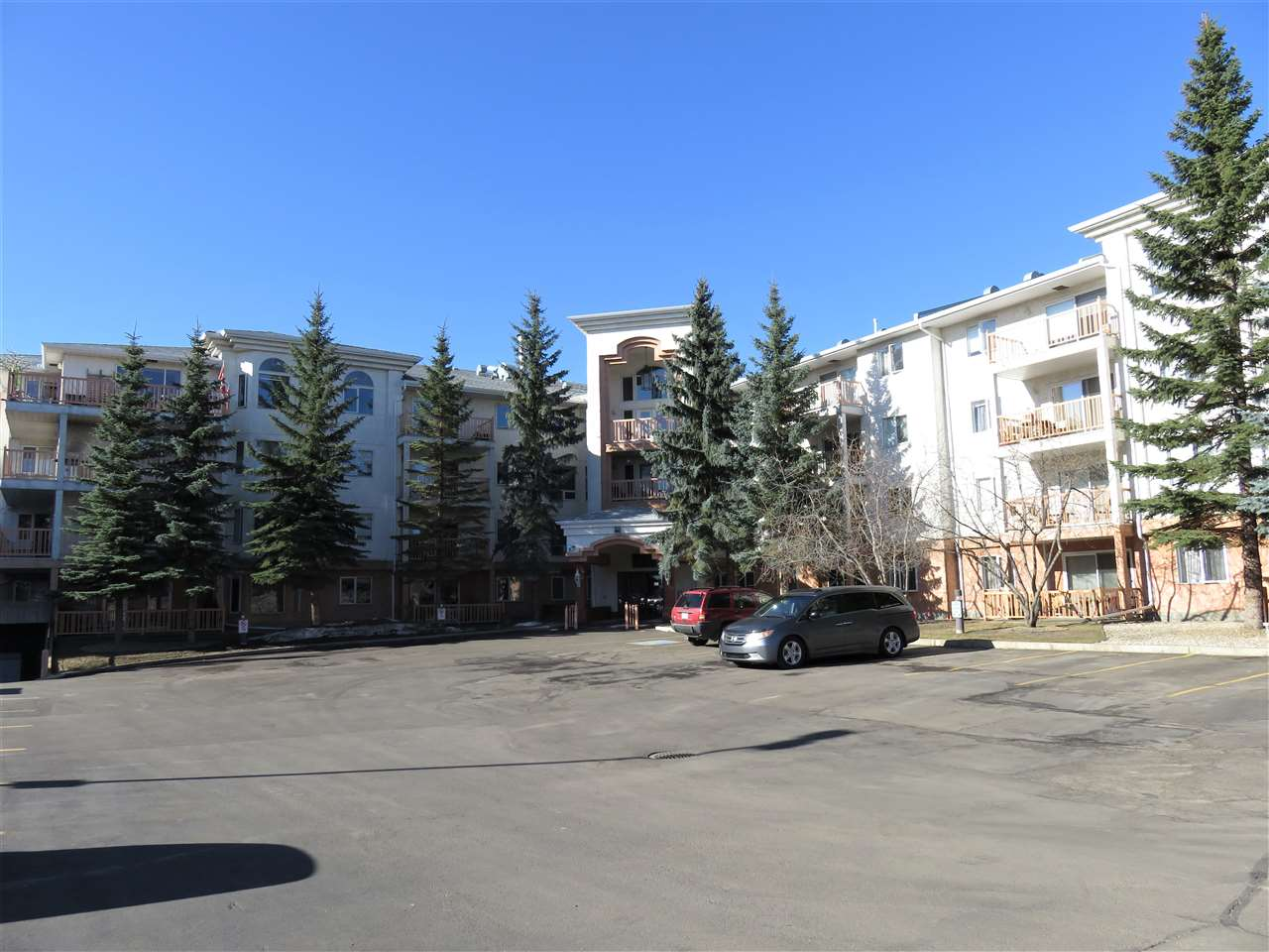 305 10915 21 Avenue NW, 2 bed, 2 bath, at $218,500
