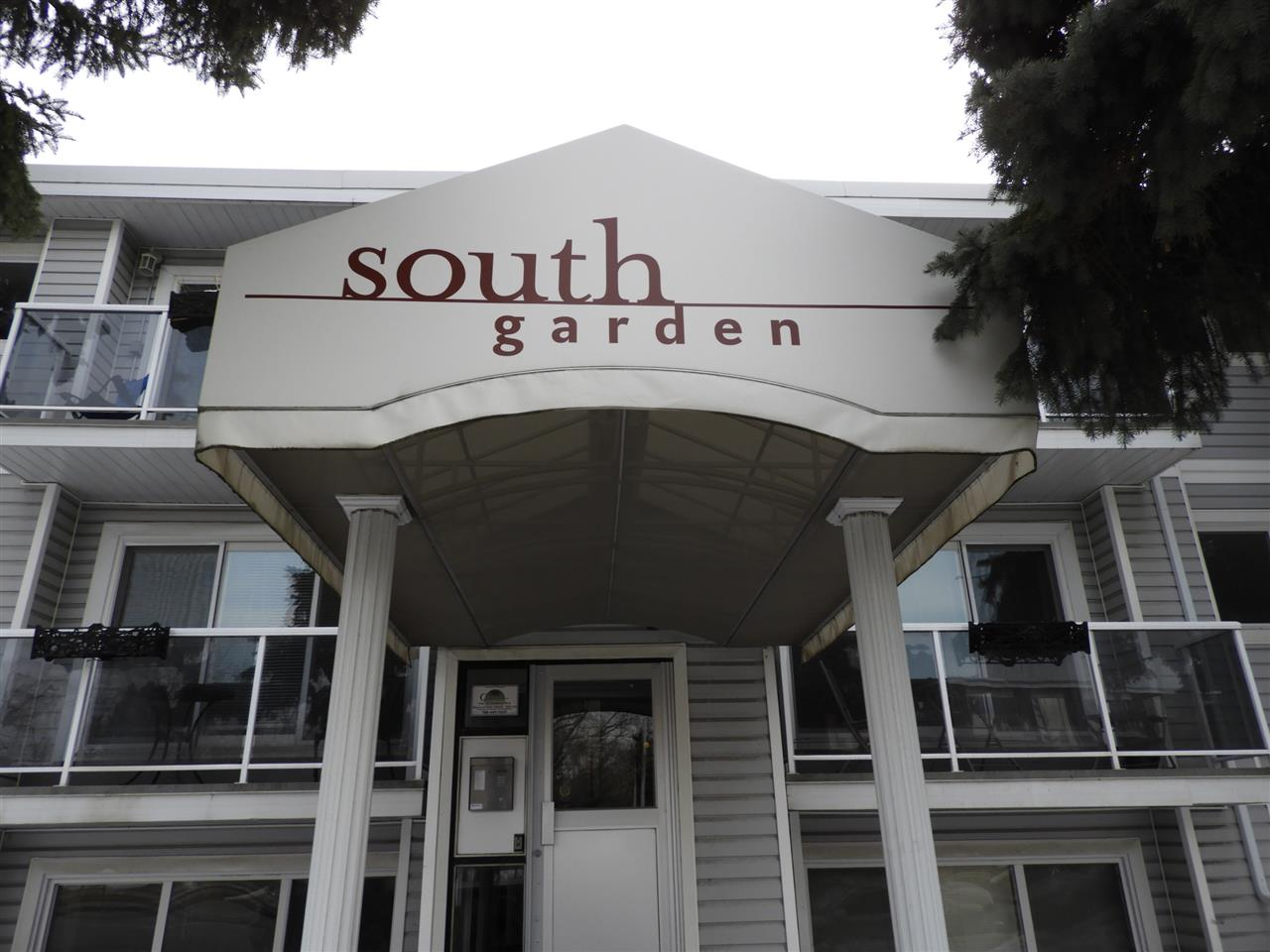 206 9725 82 Avenue NW, 2 bed, 1 bath, at $189,800
