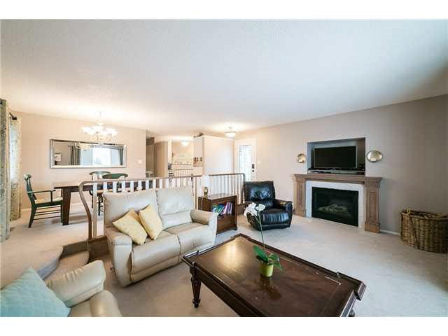 116 Westridge Crescent, 6 bed, 3 bath, at $359,000