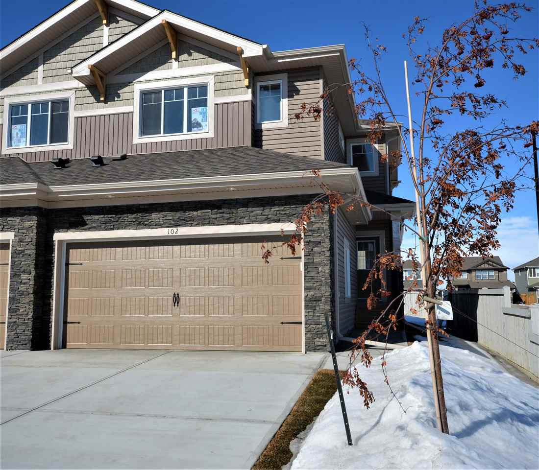 102 Meadowland Crescent, 3 bed, 2.1 bath, at $349,000
