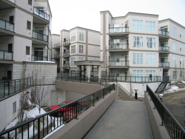 112 4835 104A Street NW, 2 bed, 2 bath, at $229,900