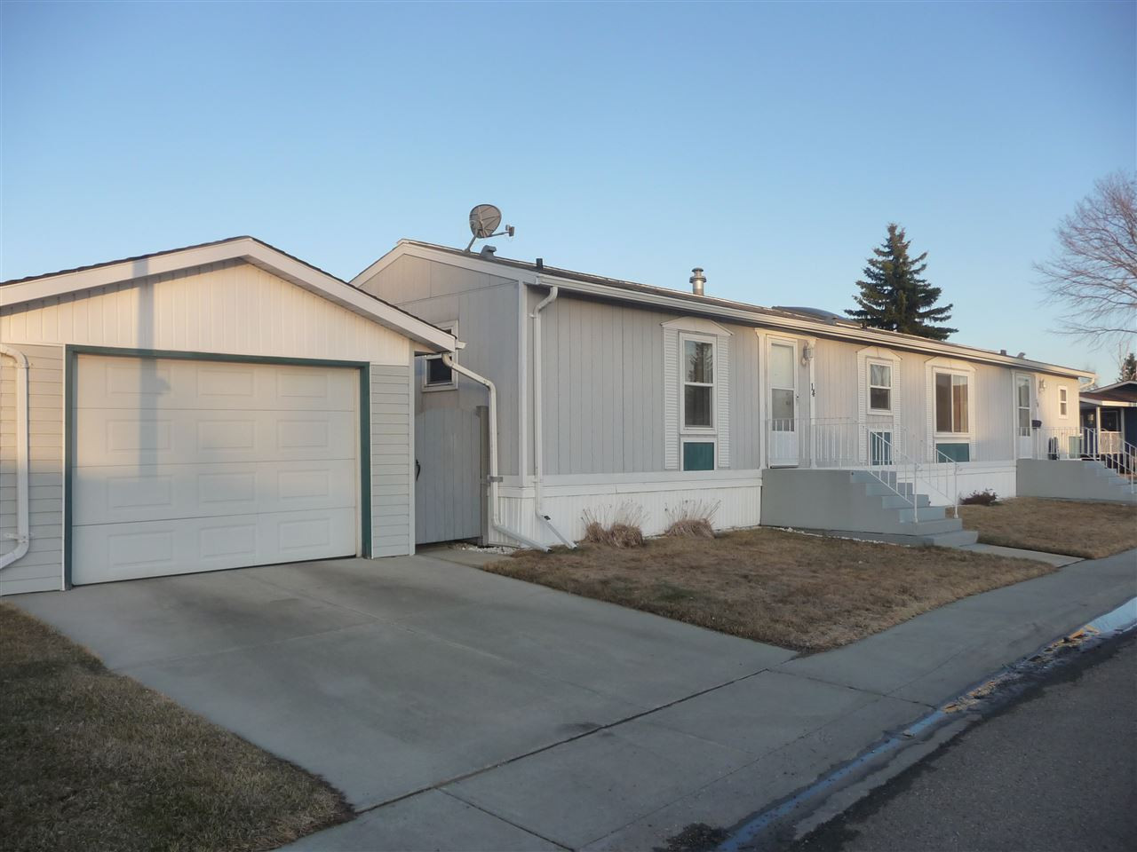 # 14 - 12604 153 AVE, 3 bed, 2 bath, at $159,900