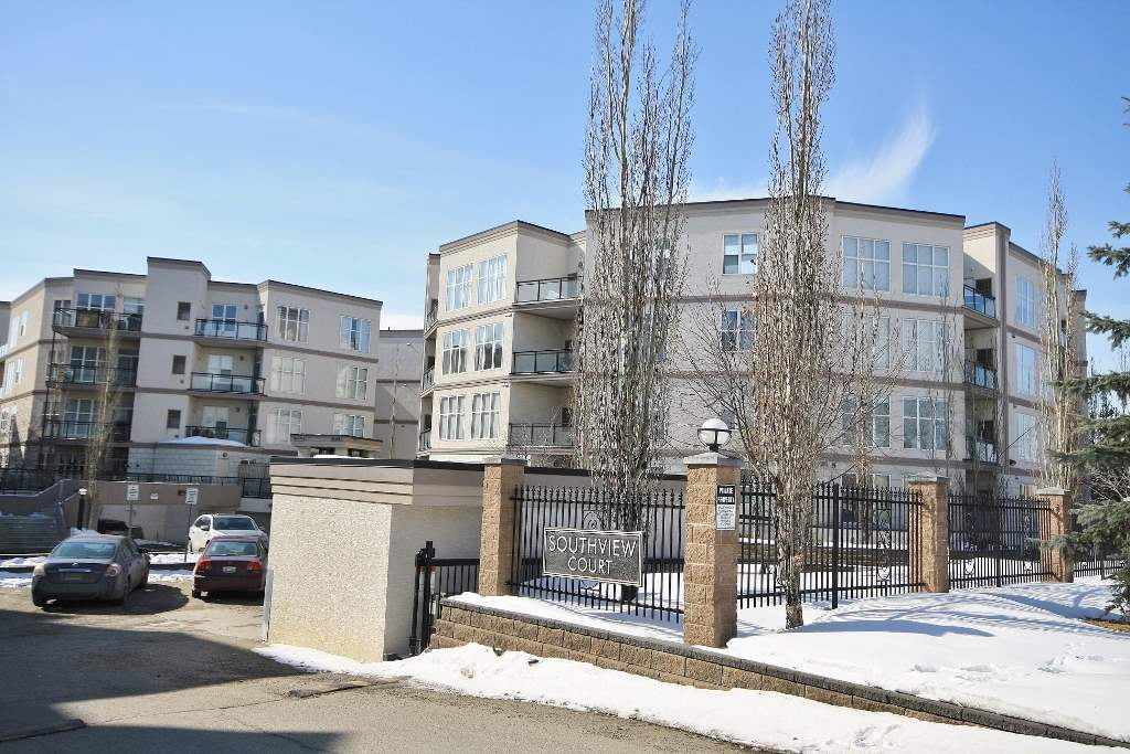 351 4827 104A Street NW, 1 bed, 1 bath, at $178,800