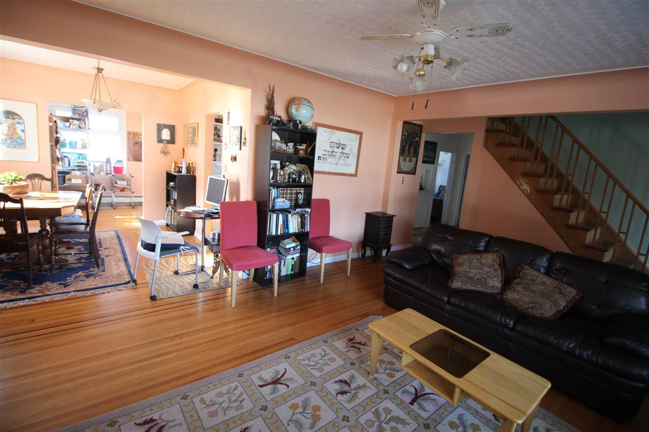 11022 110 Avenue NW, 5 bed, 2 bath, at $449,000