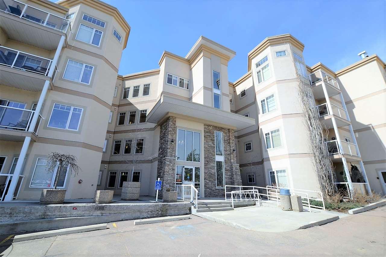 105 5 GATE Avenue, 2 bed, 2 bath, at $299,000