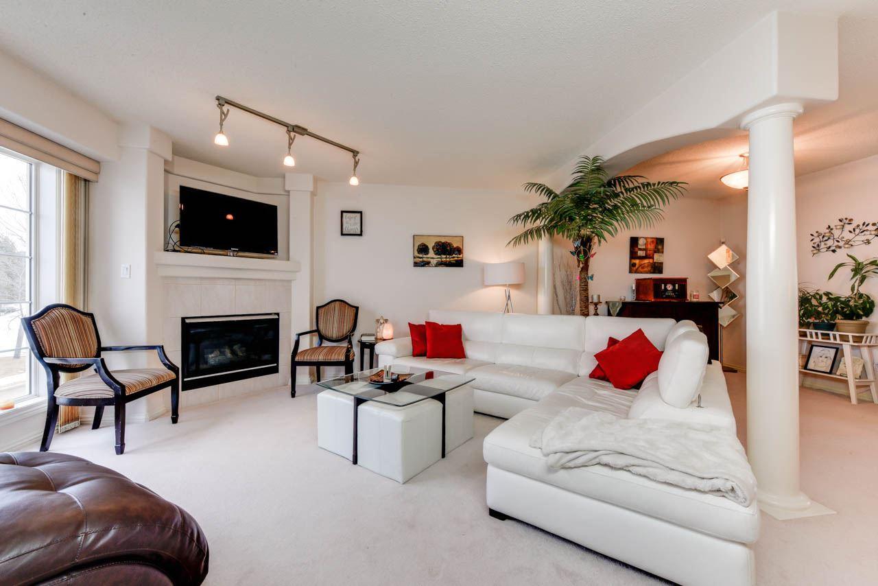 54 2419 133 Avenue, 3 bed, 2.2 bath, at $289,900