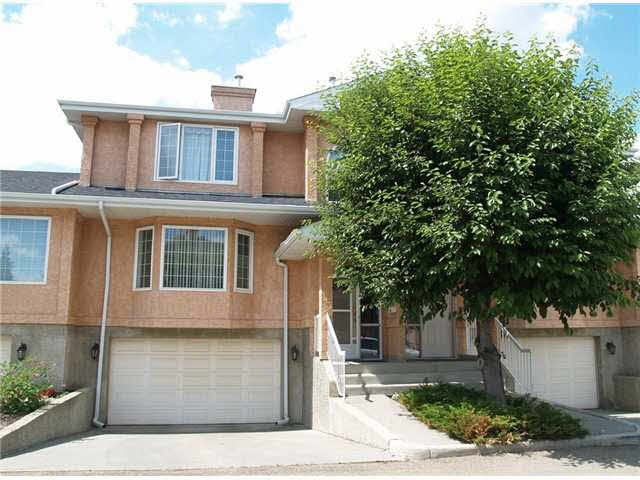 135 11115 9 Avenue NW, 3 bed, 2.1 bath, at $288,888