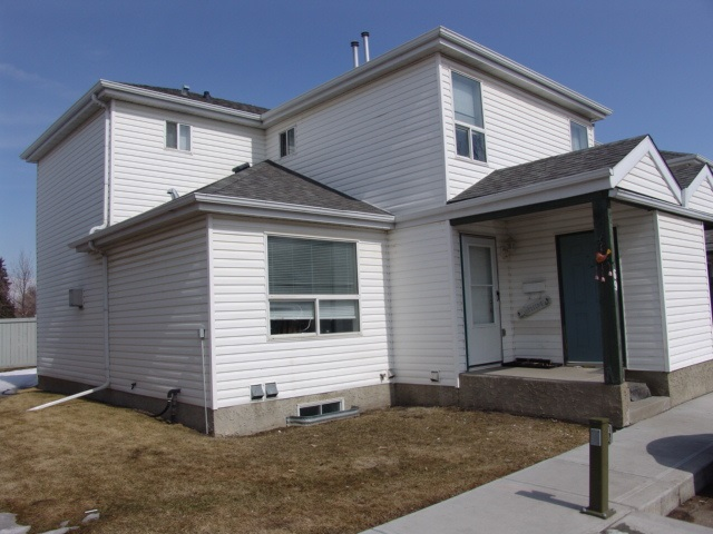 69 603 YOUVILLE Drive NW, 2 bed, 1.1 bath, at $239,988