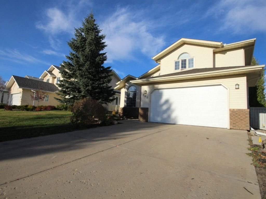 747 Revell Crescent, 4 bed, 2.1 bath, at $549,000