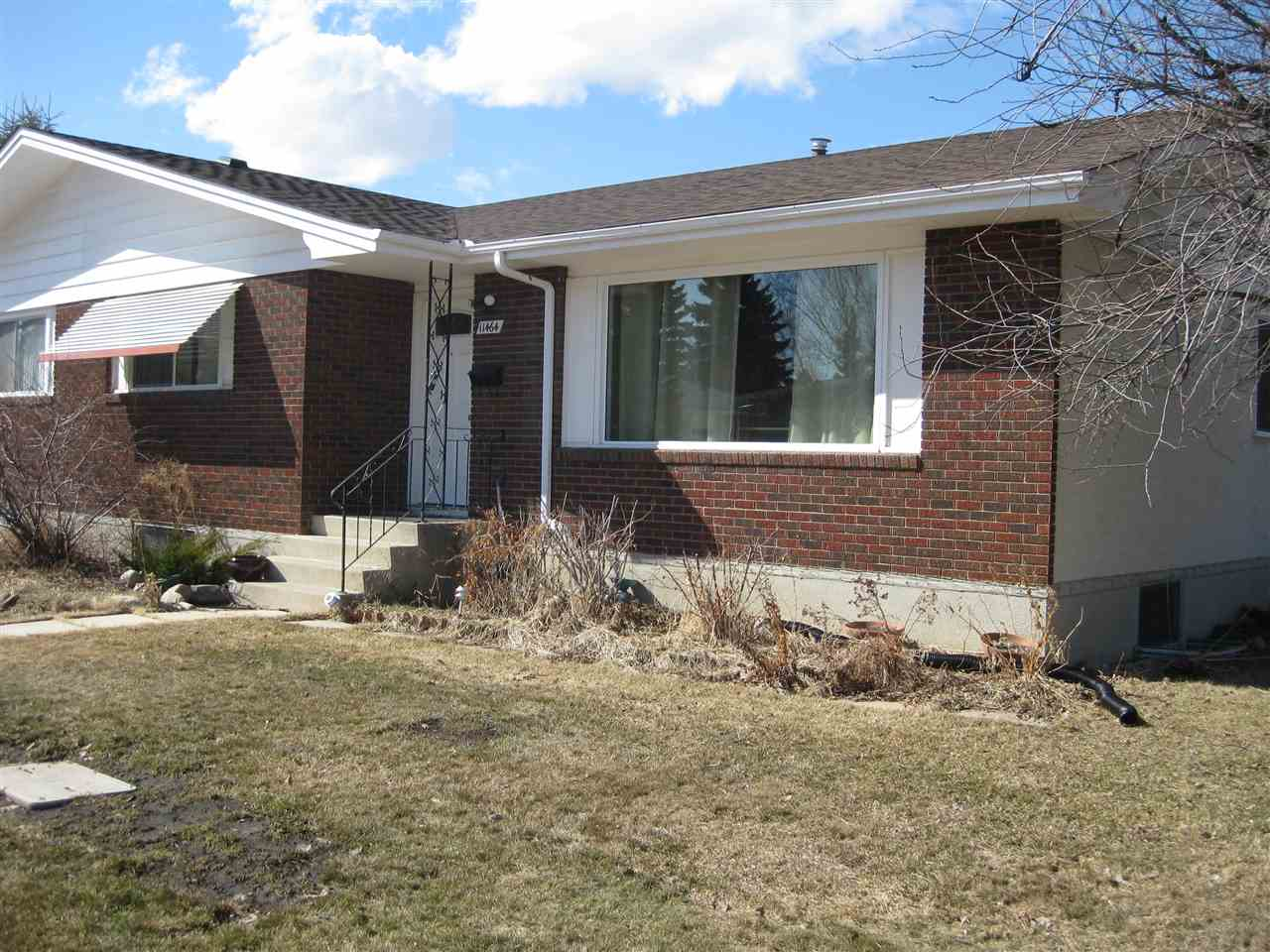11464 39 Avenue NW, 3 bed, 1 bath, at $299,700