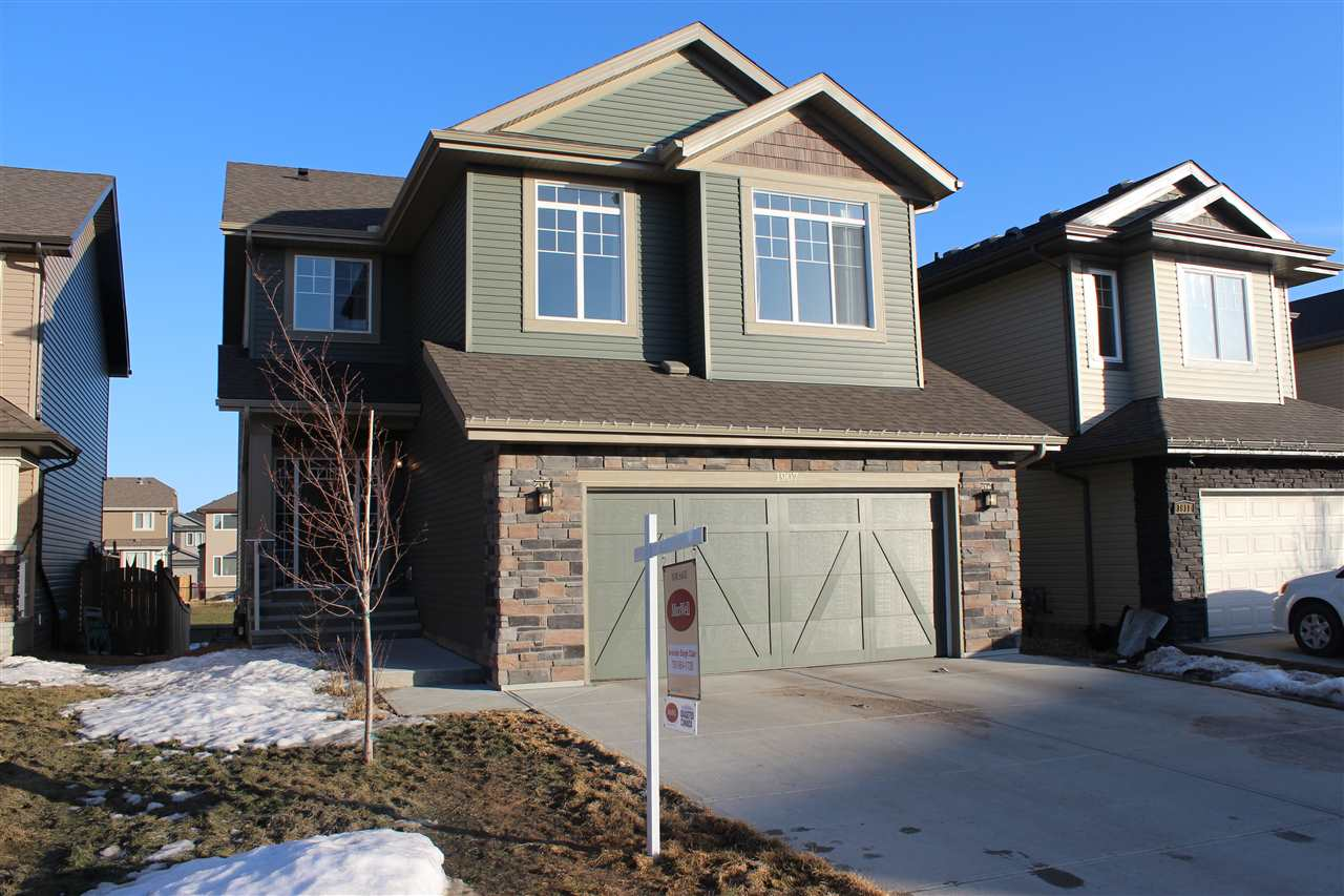 1907 56 Street SW, 3 bed, 2.1 bath, at $559,000