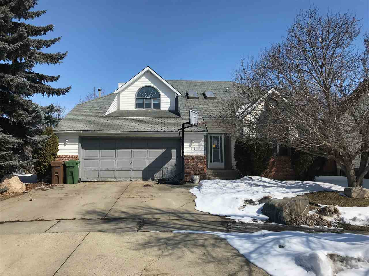 11 Laird Place, 5 bed, 3.1 bath, at $450,000