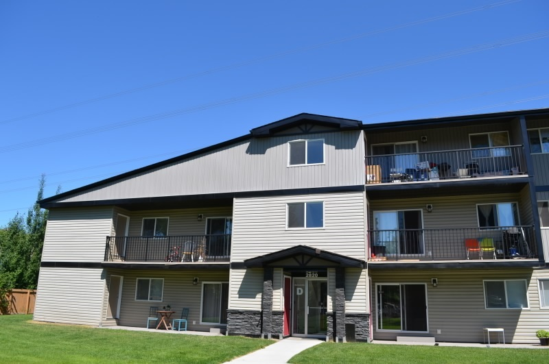D6 2820 116 Street, 2 bed, 1 bath, at $109,702