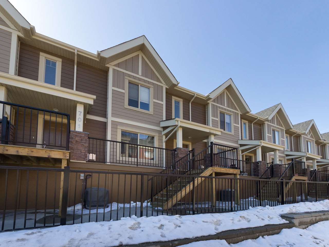 702 401 Palisades Way, 2 bed, 2.2 bath, at $379,900