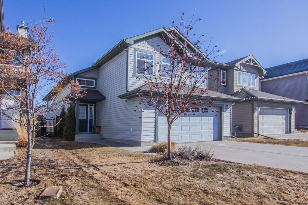 6028 5 Avenue SW, 3 bed, 3 bath, at $439,900