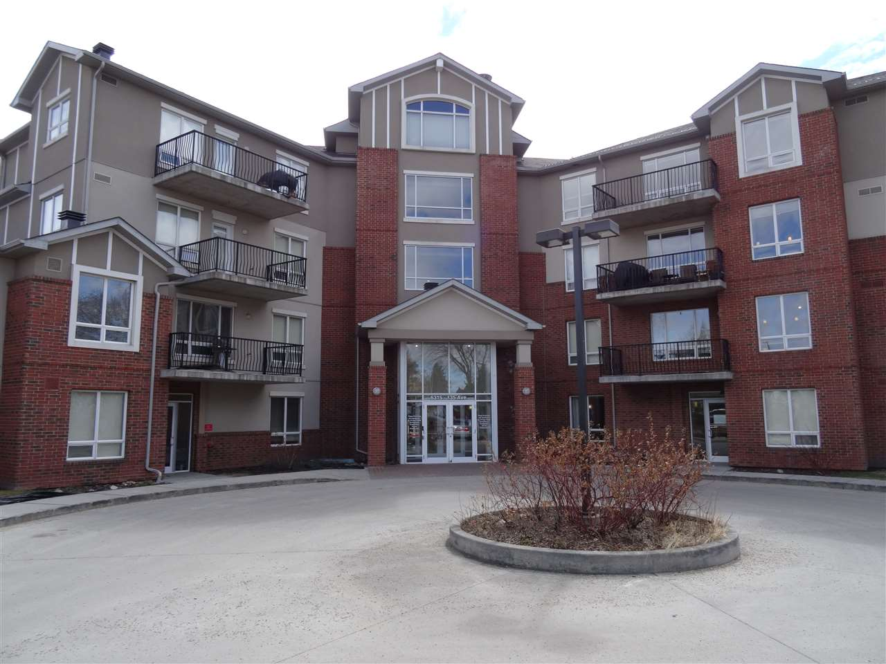 323 6315 135 Avenue NW, 2 bed, 2 bath, at $192,500