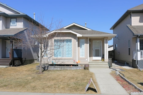 14006 156 Avenue NW, 5 bed, 2 bath, at $329,900