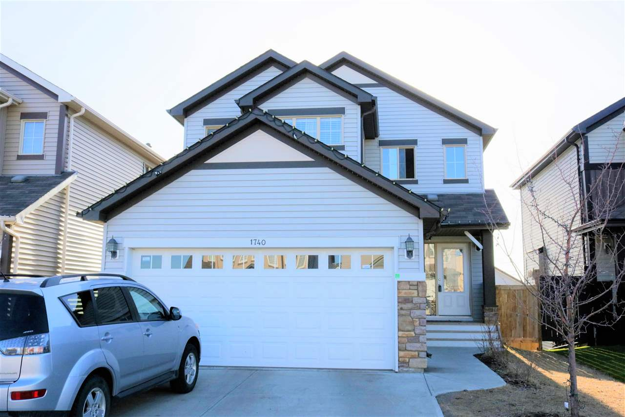 1740 55 Street SW, 3 bed, 2.1 bath, at $488,800
