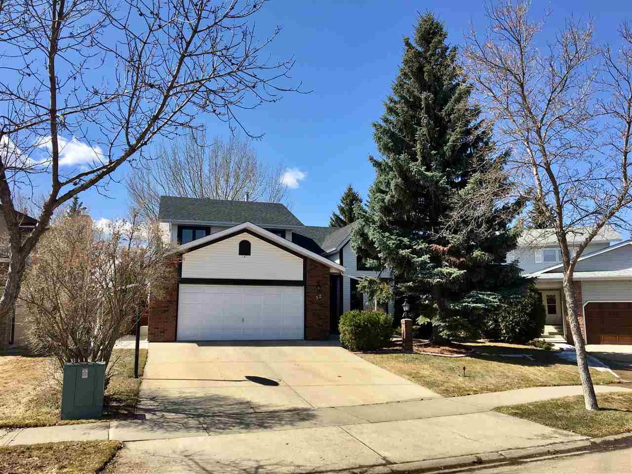 32 Deane Crescent, 3 bed, 3.1 bath, at $584,900