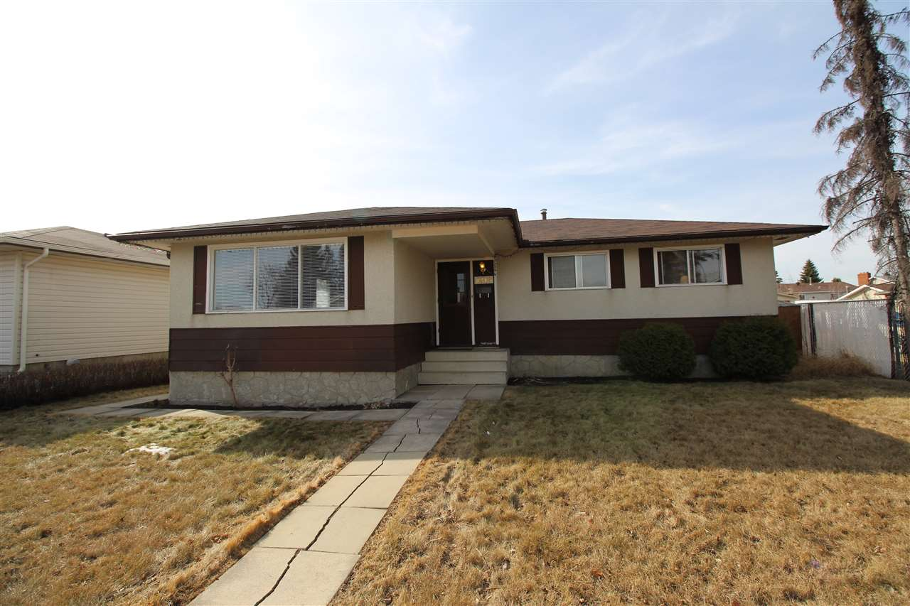 8315 145 Avenue NW, 5 bed, 1.1 bath, at $318,900