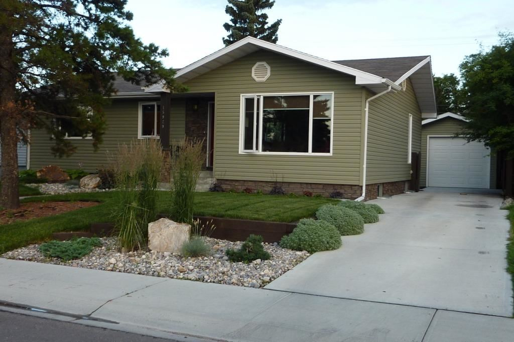 15929 95 Avenue NW, 3 bed, 1.1 bath, at $379,900