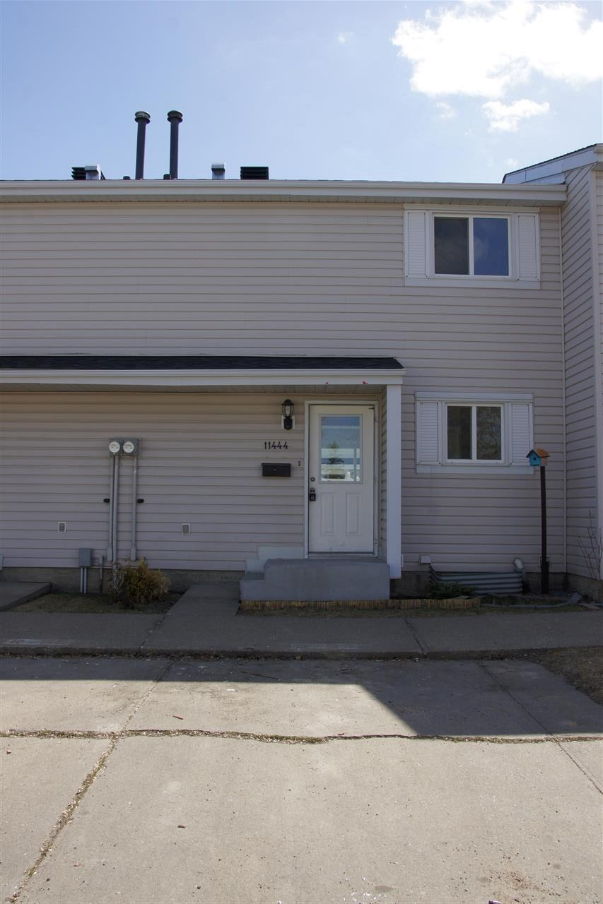 11444 139 Ave Avenue NW, 3 bed, 1.1 bath, at $159,000