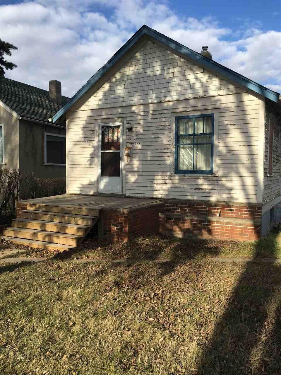 12235 101 Street NW, 2 bed, 1 bath, at $220,000