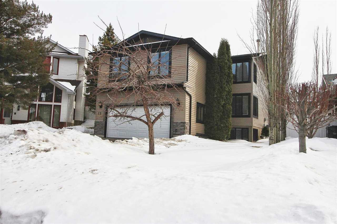 13 Hickory Crescent, 5 bed, 3.1 bath, at $579,900