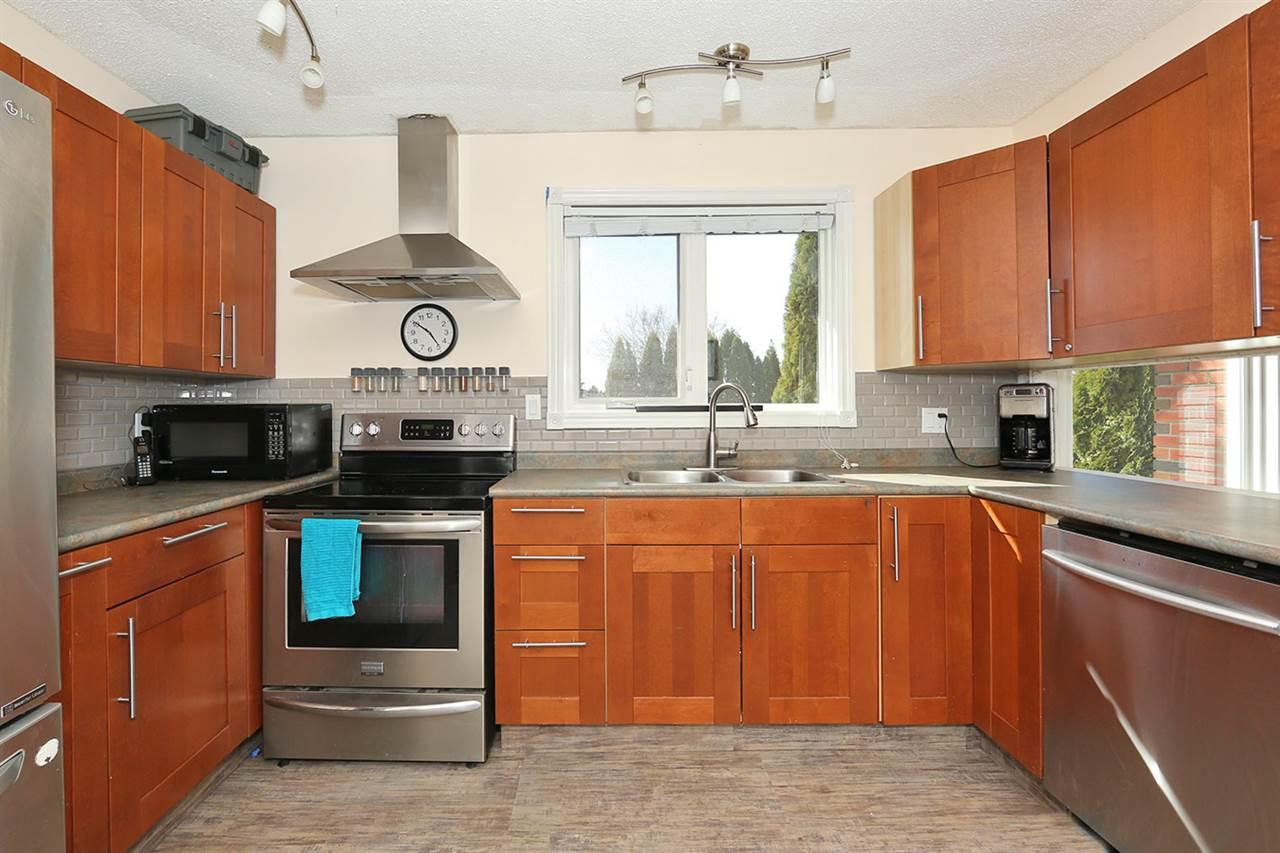 6808 39 Avenue, 8 bed, 3 bath, at $440,000