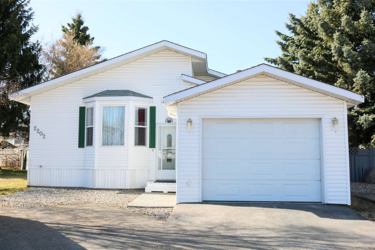 2202 10770 Winterburn Road, 3 bed, 2 bath, at $177,000