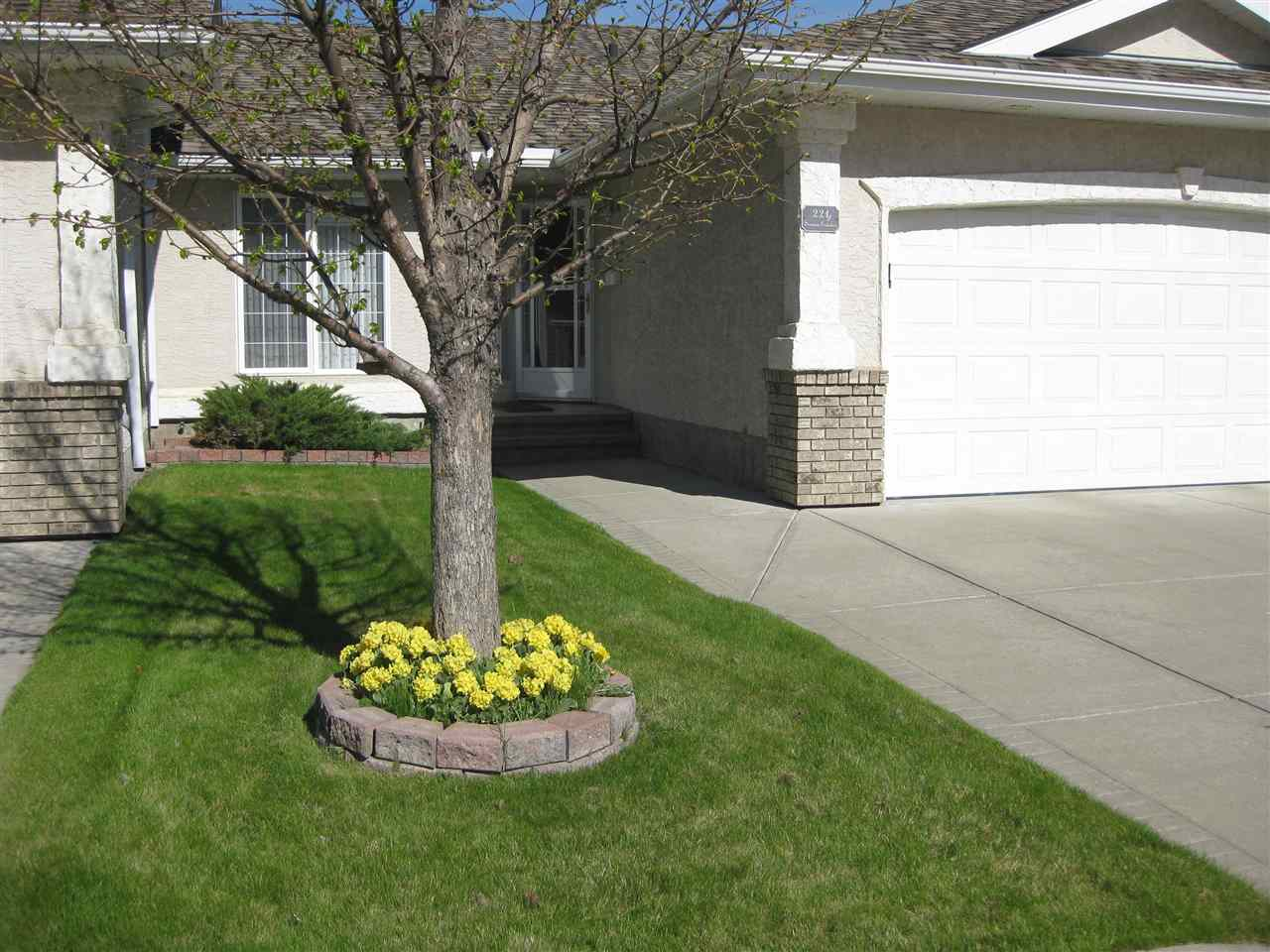 221 YOUVILLE Drive E, 2 bed, 2.1 bath, at $309,700