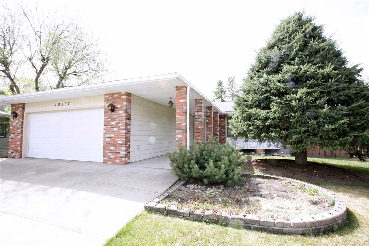 18507 81 Avenue NW, 4 bed, 3 bath, at $469,900