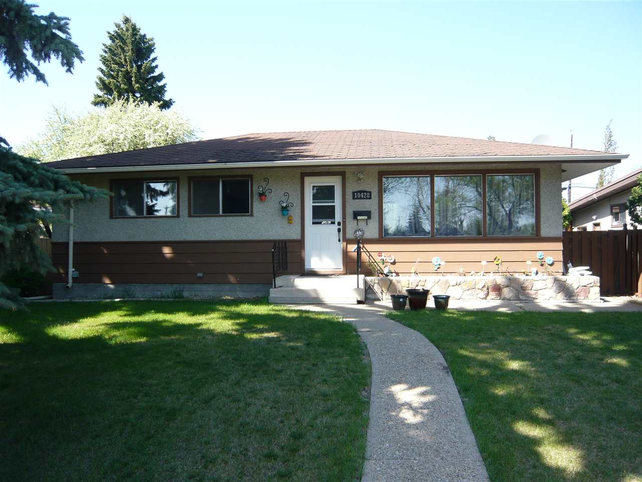 10428 136 Avenue NW, 5 bed, 2 bath, at $349,900