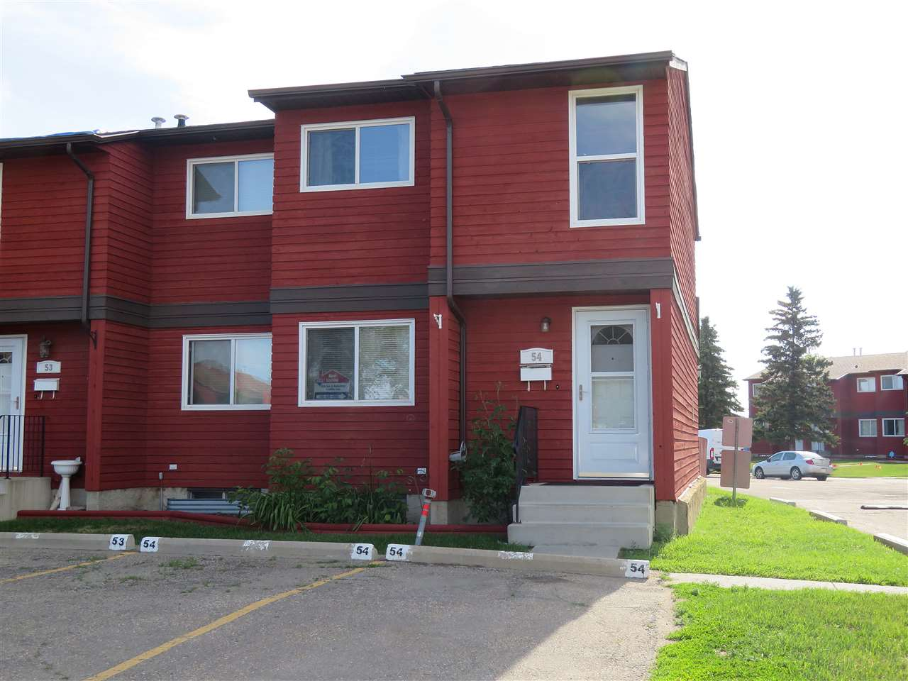 54 4707 126 Avenue NW, 3 bed, 1.1 bath, at $199,800