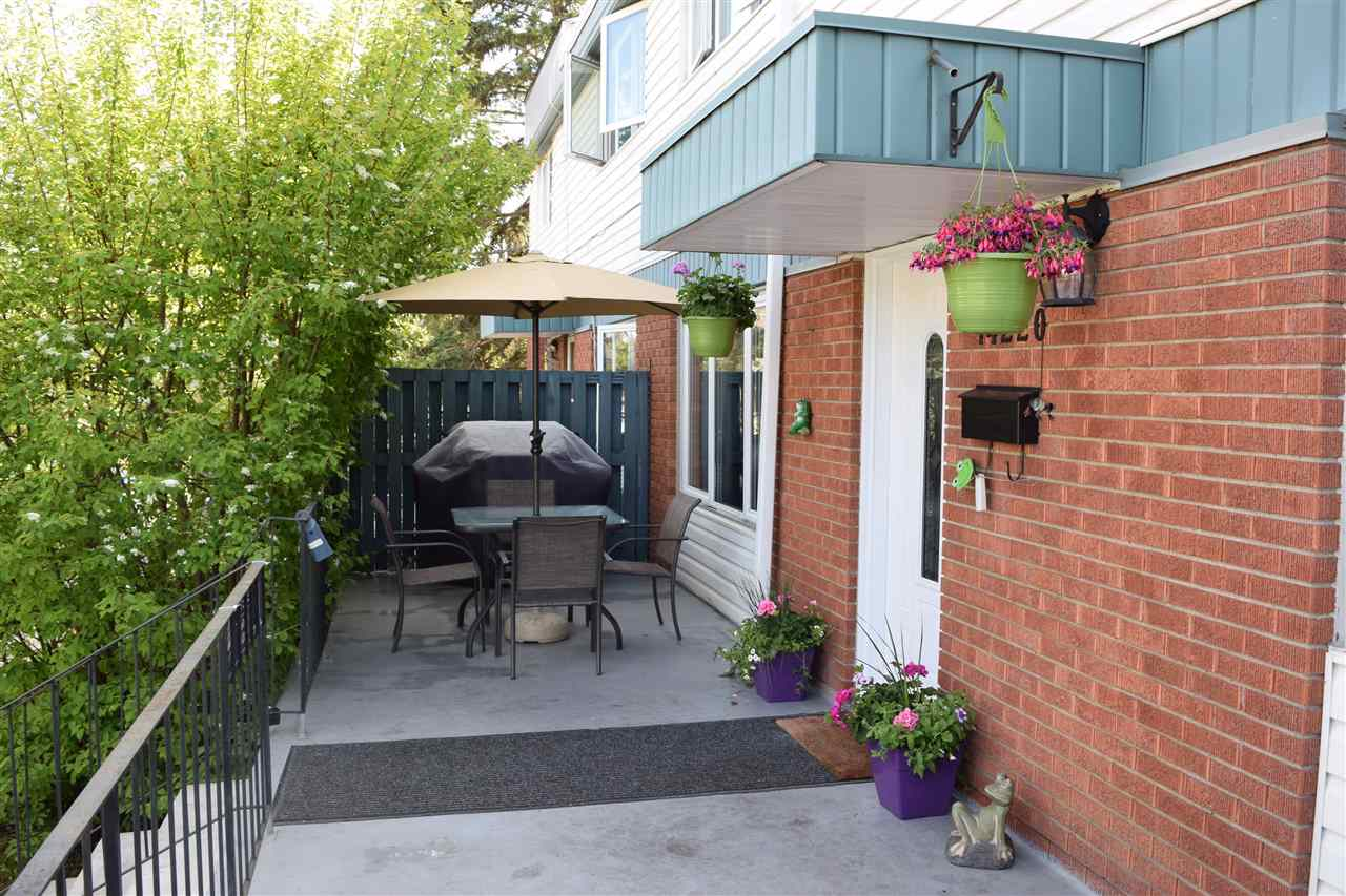 14220 91 Avenue NW, 3 bed, 1.1 bath, at $279,800
